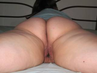 plump ass to play with
