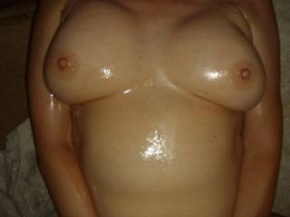 I\'m all lubed up with Wesson Oil!!  Like to stick your cock between these??