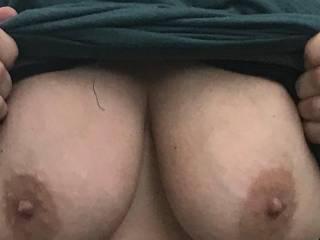 anyone wanna cum suck on her big fucking tits