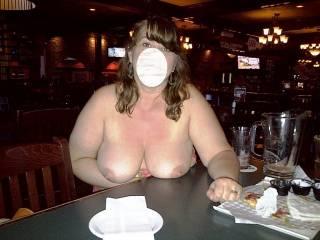 Flashing her nice tits at pub