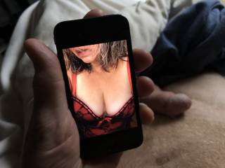 Found a sexy cleavage photo from years ago on an old iphone.