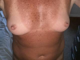 Who wants to play with these beautiful boobs???