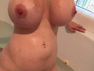 Beautiful 💋 love to give your hot TITS my tongue cock n cum 💋 💋 💋