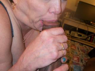 This Sexy Mature Woman Had an Addiction For BBC