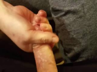 Amazing hand job outta nowhere with cumshot
