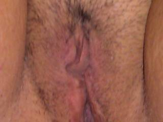 I can almost taste that sweet pussy. Make my tongue hard.