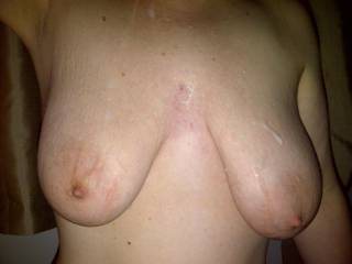 Love to see my jizz all over those gorgeous tits.