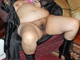 Would love to eat your pussy in that position, and fuck you the same way!