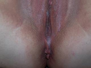 I never thought watching my cum drip out of her freshly fucked pussy could be so HOT!!!