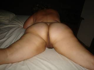 Love to snuggle up and place my cock inside that lovely pussy