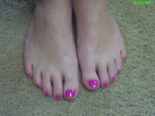 the wife\'s sexy toes