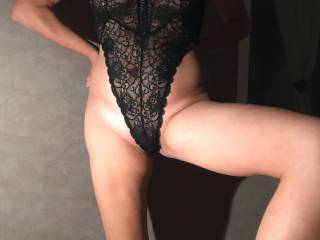 Is she sexy in this black body?