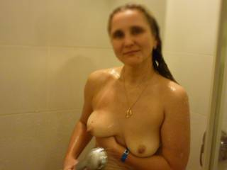Niceeeeee, would love to suck those nipples to their full hardness!!