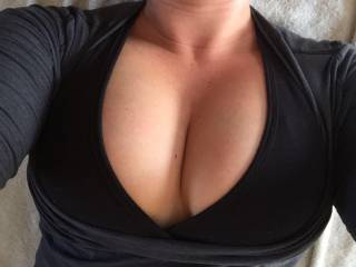 Who wants to see what they look like without the sports bra??!