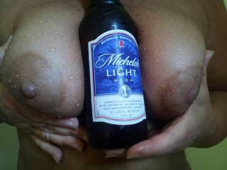 I'll take the 2 hot ones since I prefer full bodied beer over lite,,,,,, my mouth is watering  : )>