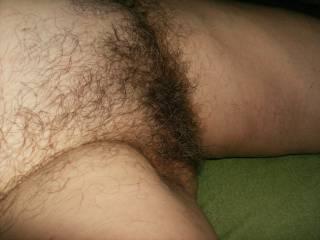 love to run my fingures through all that hair...gorgeous