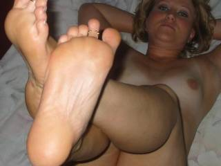 love to lick and suck your feet and toes all night long, like to see more of your beautiful feet