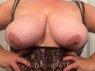 cum and play with my boobs