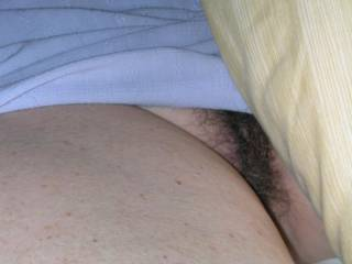 I would like to see alot more pictures of your wifes hairy pussy! Yes I do like it alot!!