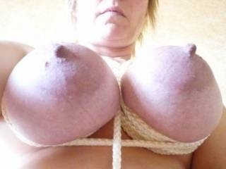 fantastic tits. i wish to lick,suck and fuch that boobs and cum all over u'r big tits !