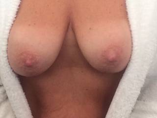 Beautiful love to give your hot TITS my tongue cock n cum 👅 👅 👅 👅