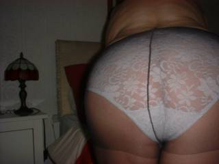 I spent the day wearing white panties under my tights