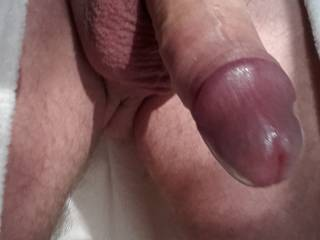 mmmm,nice big purple head to tease and suck.,,yummy!