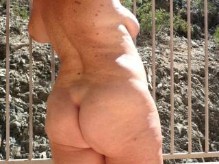 My mature body outside for everyone to enjoy!
