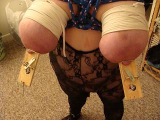 her punishment beging tits tied tight with mouse traps on her nipples