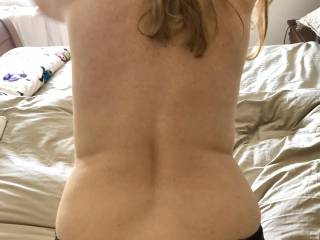 anyone fancy to cum all over my back ??