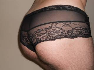 very sexy panties that show off a great arse to full effect!