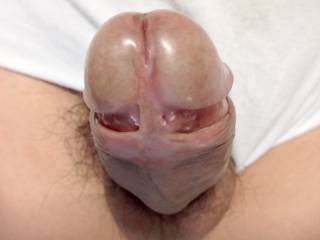Mmmmm Wish I could kiss the head of your lovely cock