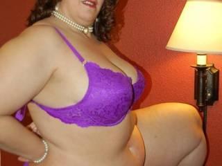 Mmmmmmmm...definitely one hot sexy woman, makes my cock hard!