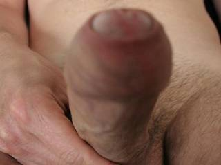What a magnificent natural uncut cock with a fantastic foreskin!