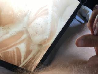 Didn\'t take long to have an orgasm when I saw Cat\'s soapy breasts.