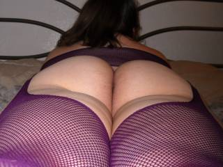 One my fav pics no doubt love the stockings and plump ass. I really have a thing for a big girl in lingerie. . Mmm so sexy. U make me rock hard!!