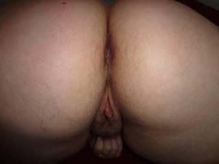 that beautiful ass an pussy deserve a proper licking an fucking ;-)