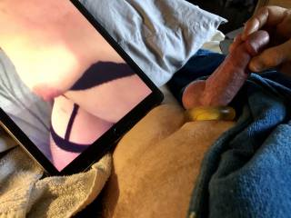 This was a very sexy video of mrsxccess having her tits played with. Hearing her moan was exciting.
