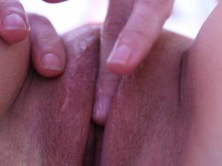 now that is how you work over a pussy. love how soaked your finger is. I would suck it and your pussy clean...