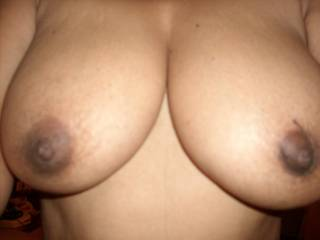 I love to have these tits sucked you want to suck and get my nipples hard