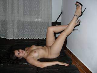 Amazing, beautiful hair, beautiful face, nice build love a fuller figure, sexy feet in those heels. you are amazing