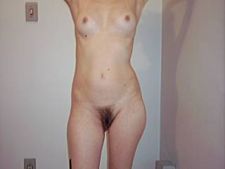 nice horny body - sweet looking pussy mm