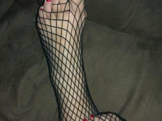 Yes very sexy, like to cum on your sexy feet