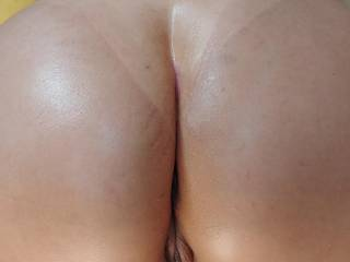 I love a nice hot sun tan over my wife\'s body