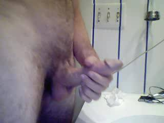 Yum!! Would love to be on the receiving end of all that cum, would love it in my face! Nice dick x
