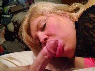 She looks sooo pretty with a cock in her mouth