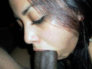 Nice looking lady and she seems to lnow what to do with a big cock.