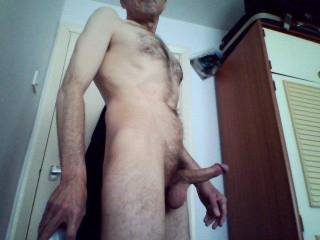 Feeling very horny mid morning!