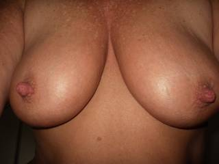 this amazing set of tits belong to a lady who traveled from New Zealand just to fuck me while her hubby wanked off in the corner. She was awesome and the most amazing tits for a lady of her vintage.