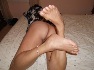 Id love to suck on those gorgeous toes and slowly kiss up your legs to your inner thighs and then gently kiss your pussy, slip a finger in and eat your clit until I make you orgasm. -mandy-